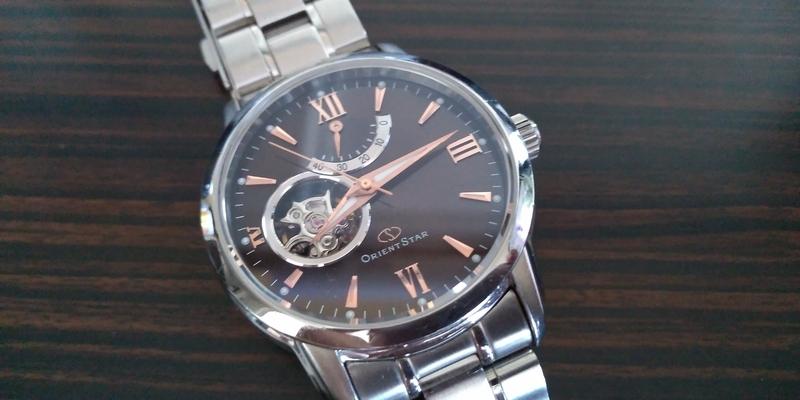 安らぎの時を刻む腕時計
