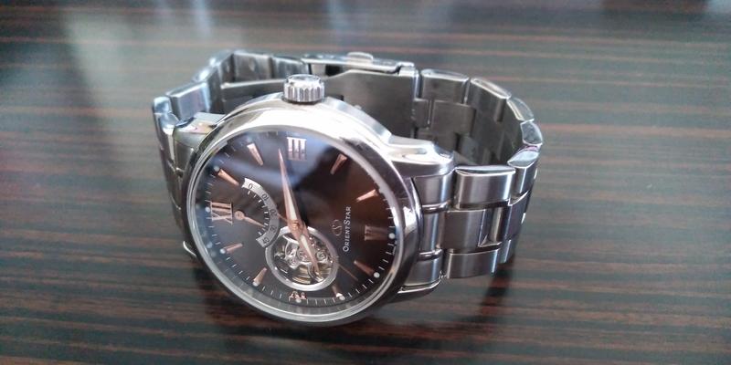 パワーリザーブ付きの自動巻き時計