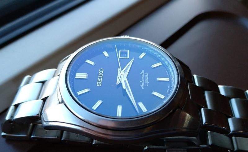 ブルーARの風防を付けた時計