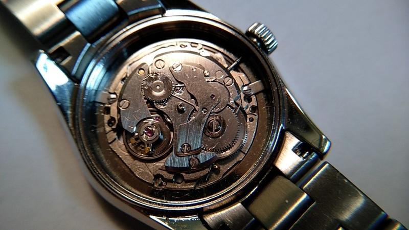自動巻き時計の手巻き
