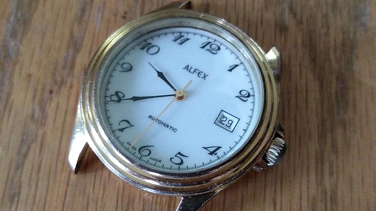 ALFEX時計のautomaticの文字